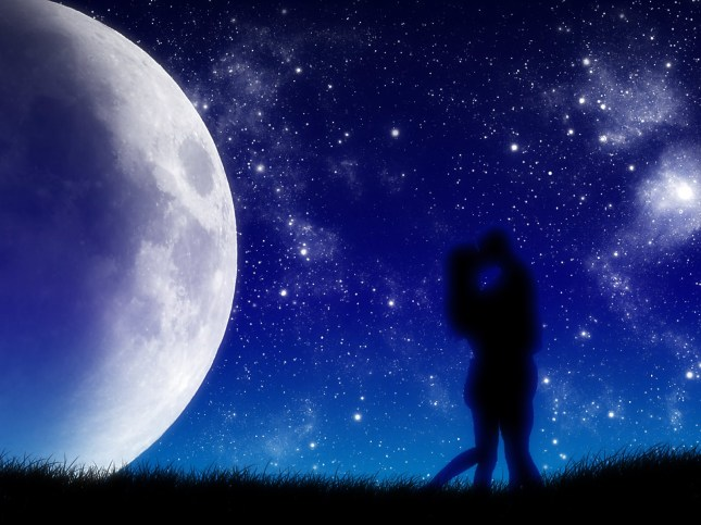 Romantic-Moonlight-Pictures